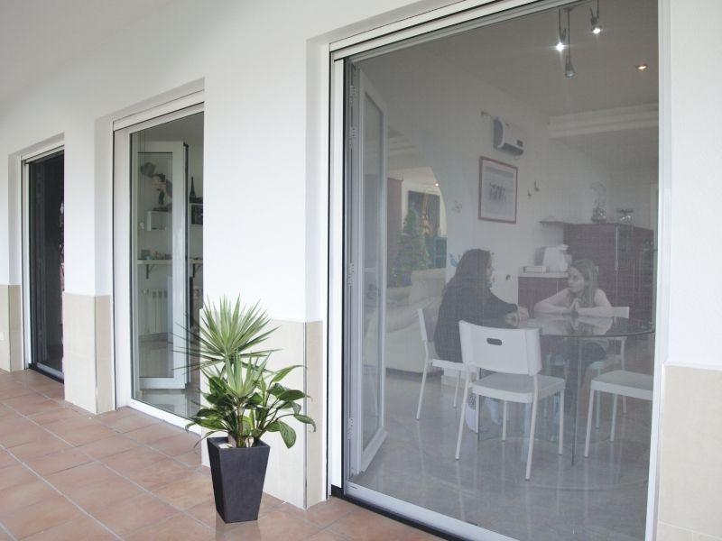 moustiquaire enroulable latérale - moustiquaires fenêtres sur mesure - produit 2 - taravello